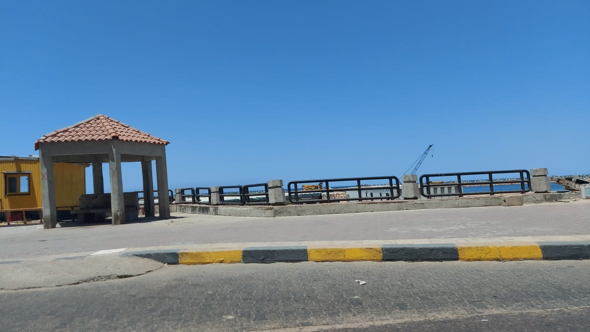 الشاطئ مغلق