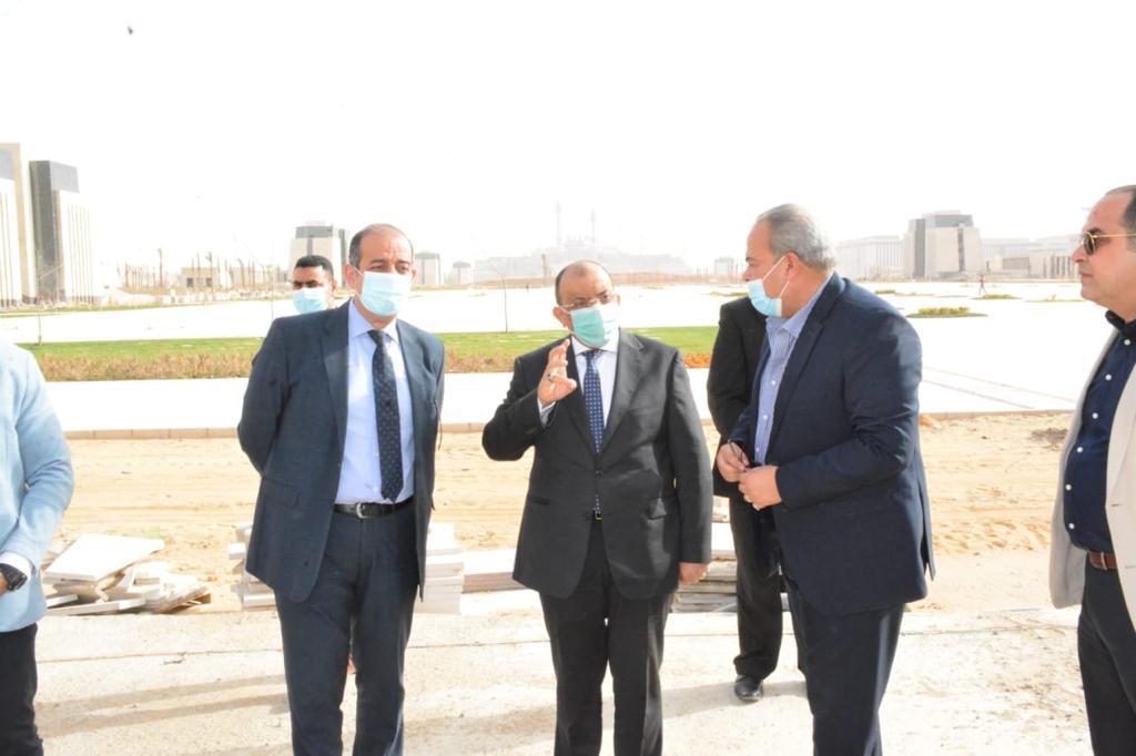 جولة وزير التنمية المحلية بمقر الوزارة بالعاصمة الإدارية