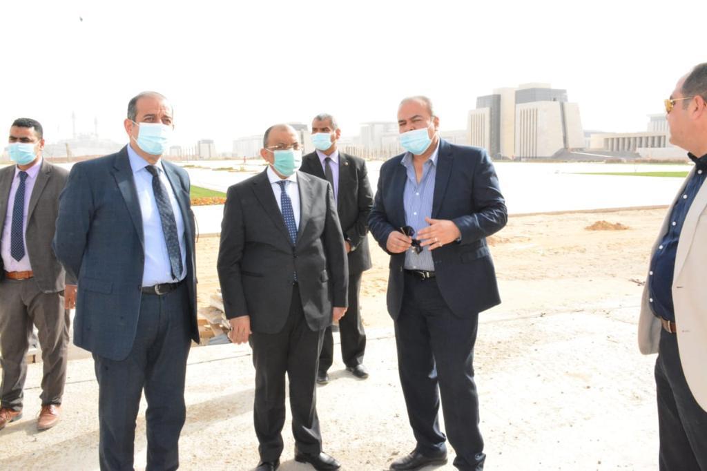 وزير التنمية المحلية يتفقد مقر الوزارة بالعاصمة الإدارية