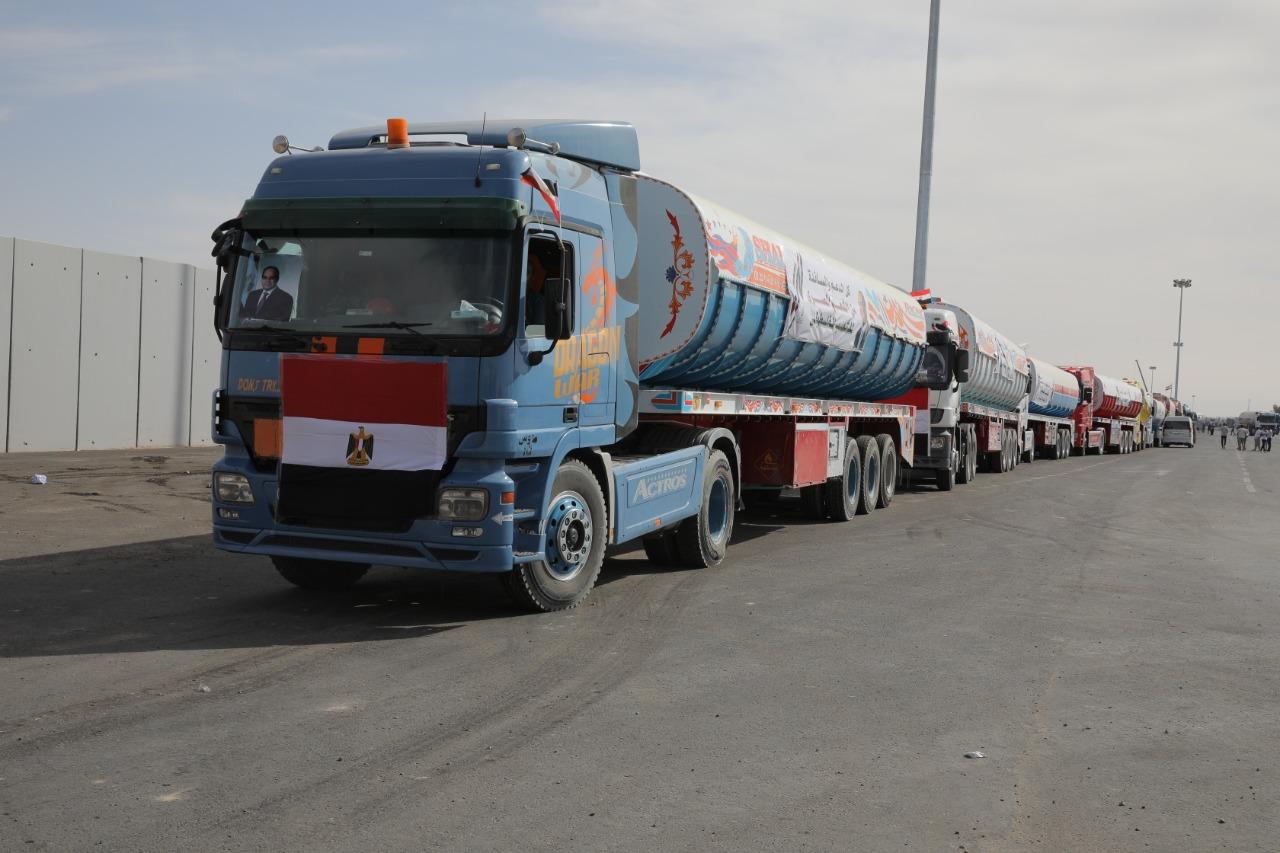 المساعدات المصريه تصل قطاع غزة