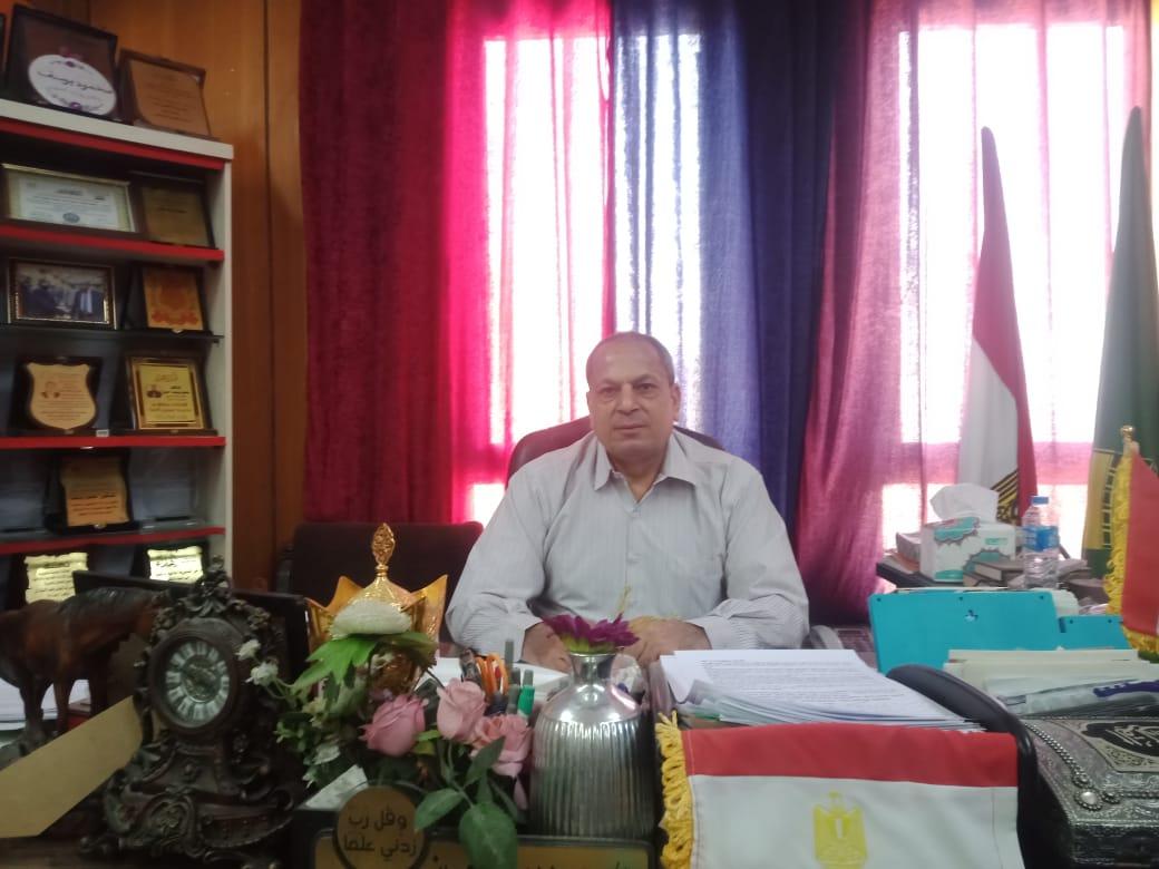 الدكتور محمود يوسف وكيل وزارة التموين بالمنيا (2)