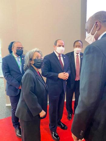 الرئيس عبد الفتاح السيسي مع زعماء أفريقيا علي هامش القمة بباريس (1)