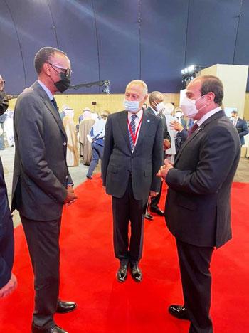 الرئيس عبد الفتاح السيسي مع زعماء أفريقيا علي هامش القمة بباريس (8)