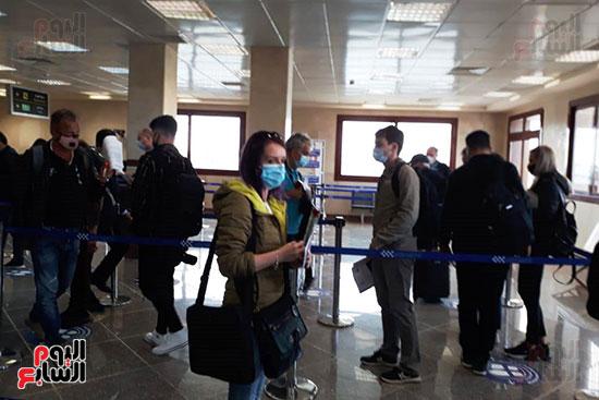جانب-من-الفوج-السياحي-بمطار-مطروح