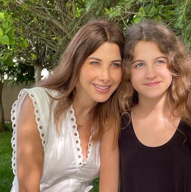 نانسي وابنتها ميلا