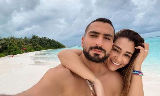 محمد الشرنوبى و زوجته