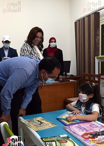 رئيس الوزراء يتفقد مشروع استكمال مكتبة مصرالعامة (11)