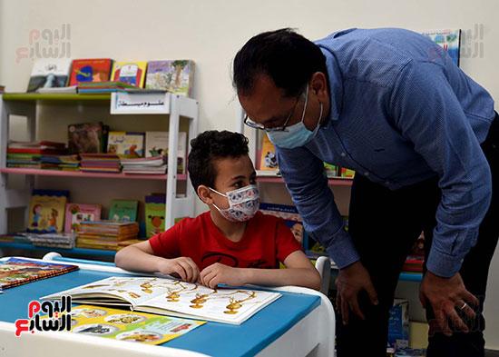 رئيس الوزراء يتفقد مشروع استكمال مكتبة مصرالعامة  (13)