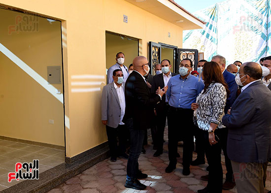 رئيس الوزراء يتفقد مشروع استكمال مكتبة مصرالعامة  (6)