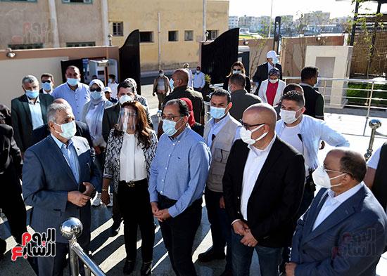 رئيس الوزراء يتفقد مشروع استكمال مكتبة مصرالعامة  (8)