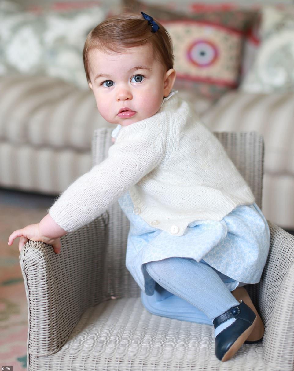الأميرة شارلوت وهي صغيرة