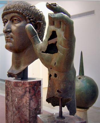 ترميم تمثال للإمبراطور قسطنطين الكبير (2)