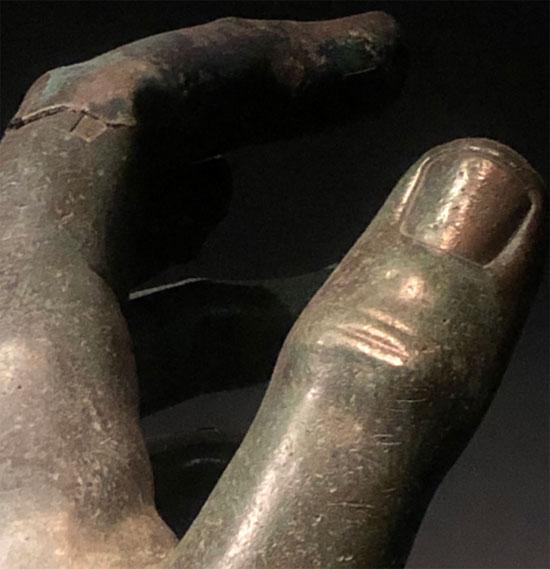 ترميم تمثال للإمبراطور قسطنطين الكبير (5)