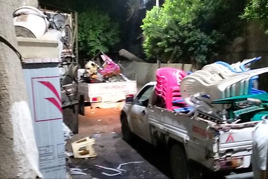 محافظ القاهرة يعنف رئيس حى شرق بعد ضبط مقهى تغلق الشارع (9)