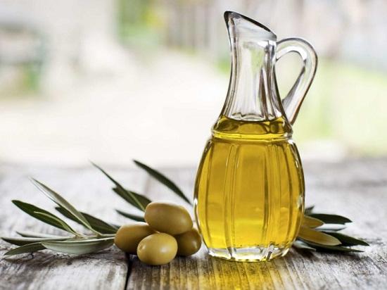 طرق طبيعية للبشرة من زيت الزيتون