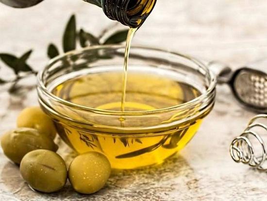 وصفات طبيعية للبشرة من زيت الزيتون