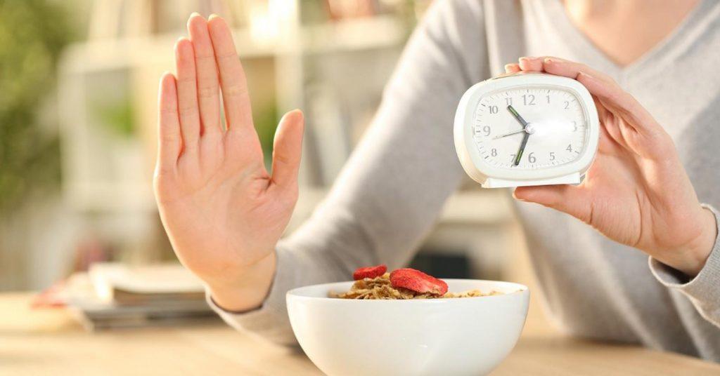 ما هو الصيام المتقطع وكيف يعمل لإنقاص الوزن؟ - اليوم السابع