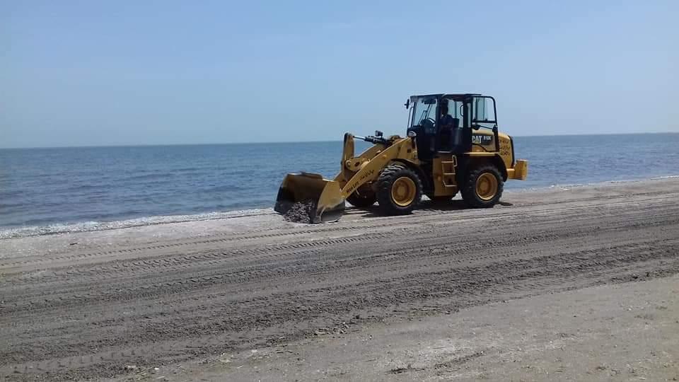 جهاز الطوارئ يعمل خلال غلق الشاطئ