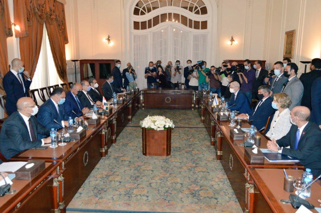 جلسة مباحثات مصرية إسرائيلية فى قصر التحرير