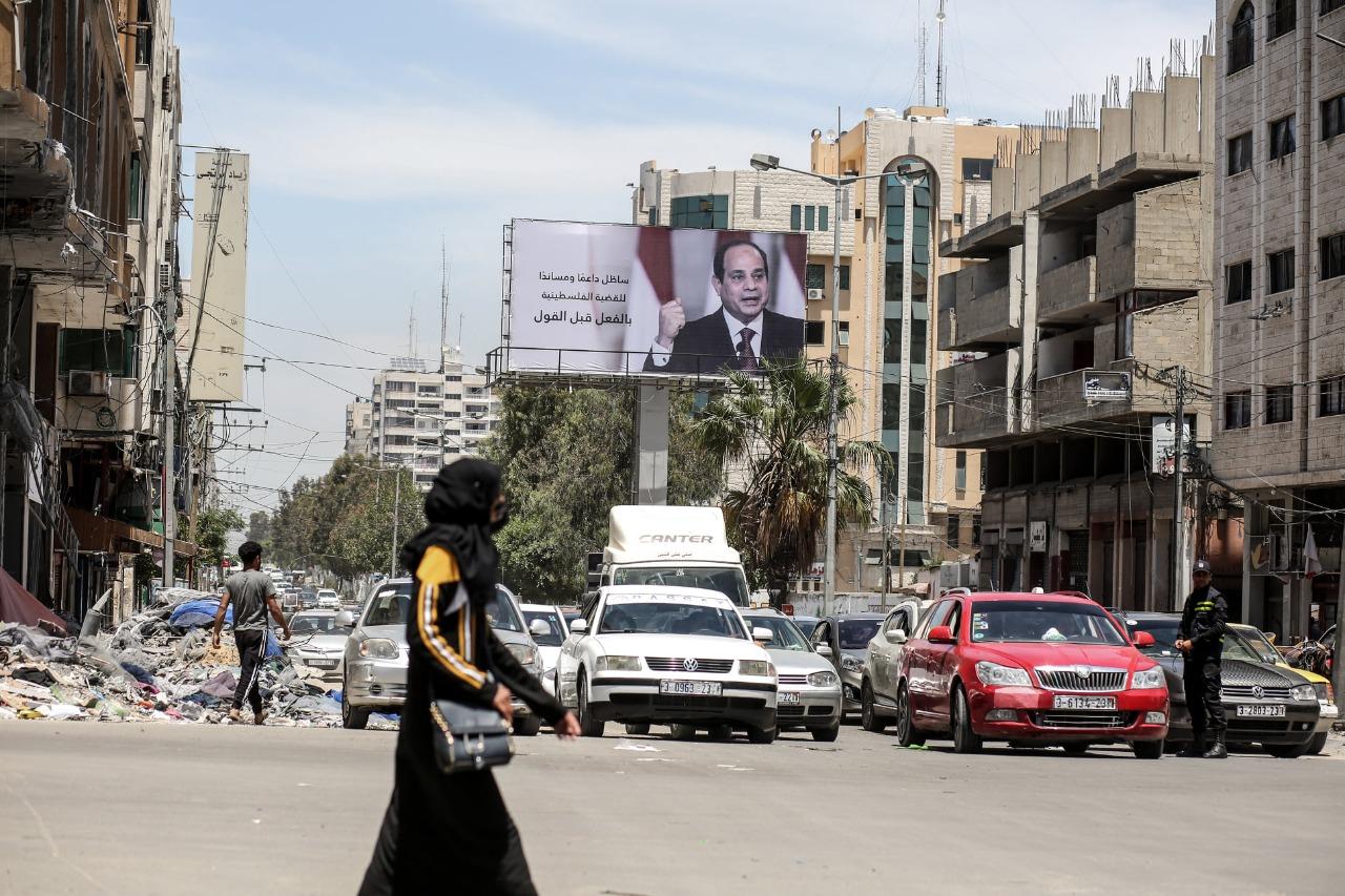 صور السيسي في شوارع غزة