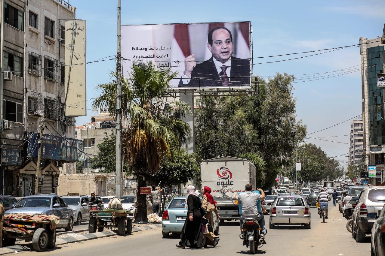 صور الرئيس السيسي في غزة