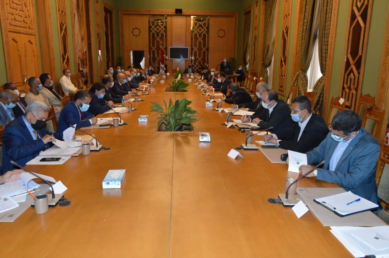 جانب من اجتماعات اللجنة المصرية الليبية