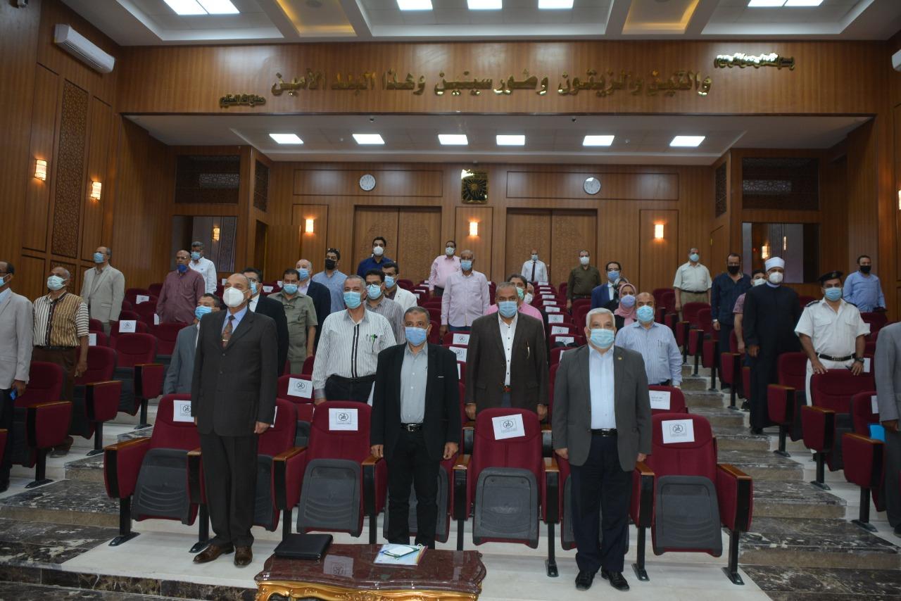 جلسة المجلس التنفيذى بمحافظة جنوب سيناء (2)