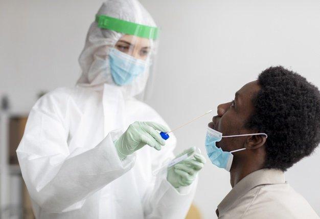 اختبارات فيروس كورونا