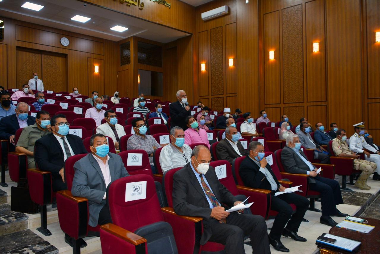 جلسة المجلس التنفيذى بمحافظة جنوب سيناء (7)
