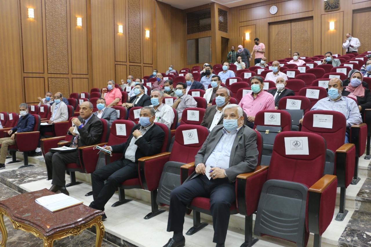 جلسة المجلس التنفيذى بمحافظة جنوب سيناء (5)