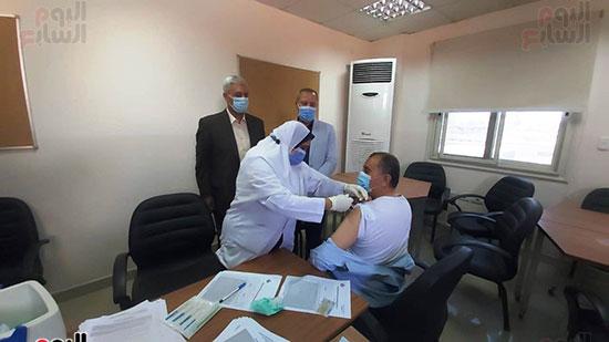 تطعيم قيادات شركة مياه الشرب بلقاح كورونا