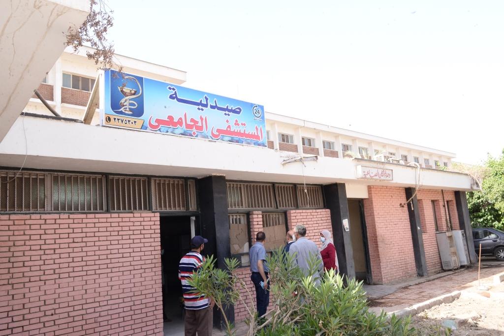 افتتاح صيدلية بالمستشفى الجامعى للعلاج الحر (7)