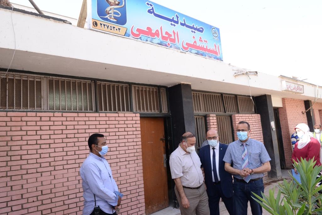 افتتاح صيدلية بالمستشفى الجامعى للعلاج الحر (5)