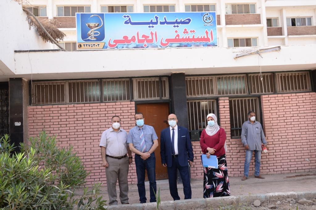 افتتاح صيدلية بالمستشفى الجامعى للعلاج الحر (3)