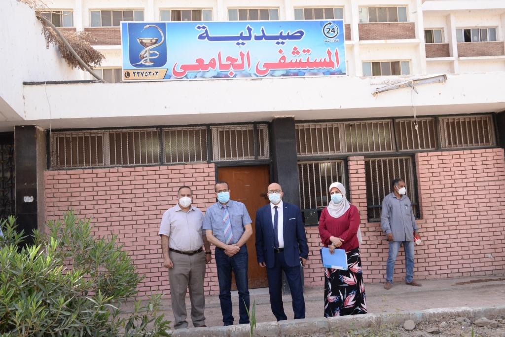افتتاح صيدلية بالمستشفى الجامعى للعلاج الحر (2)