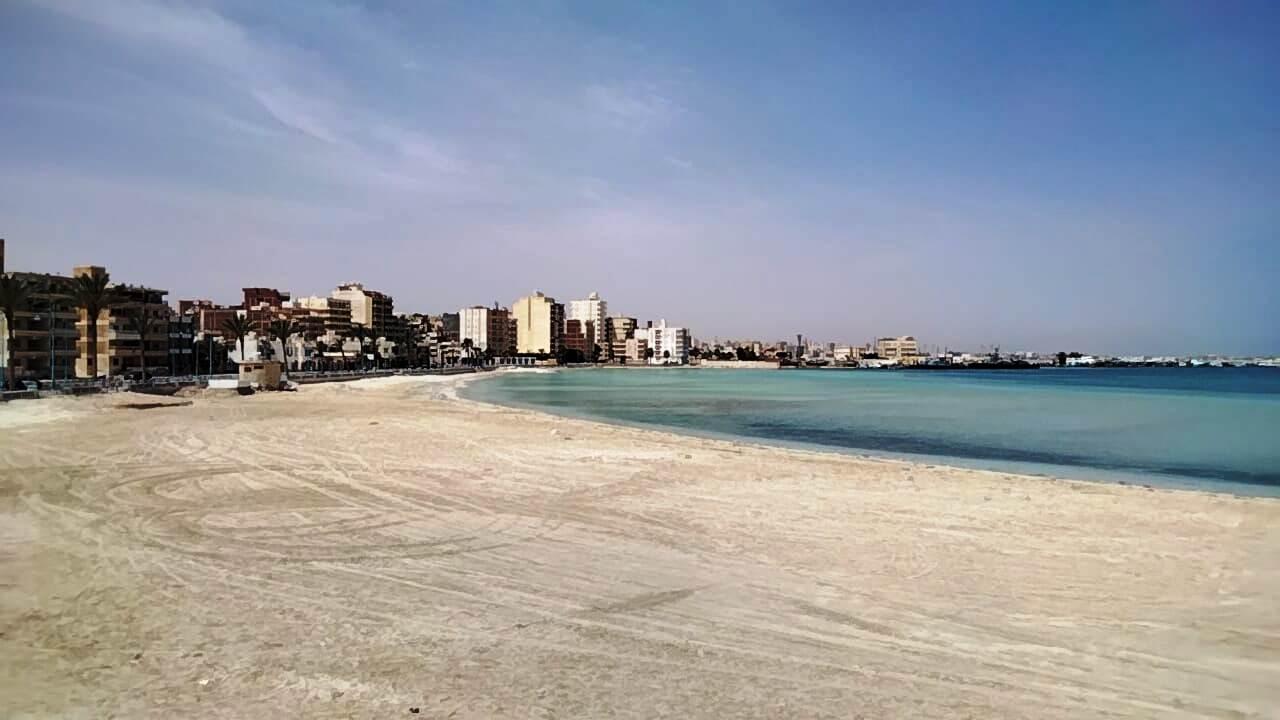 شواطئ مطروح خالية في ظل اغلاقها لمواجهة كورونا
