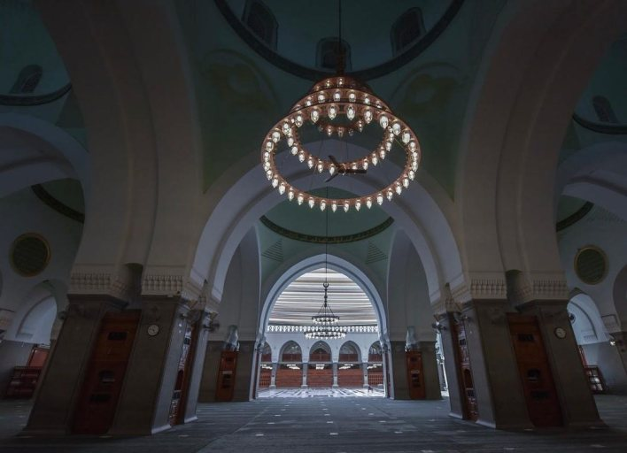 داخل مسجد قباء
