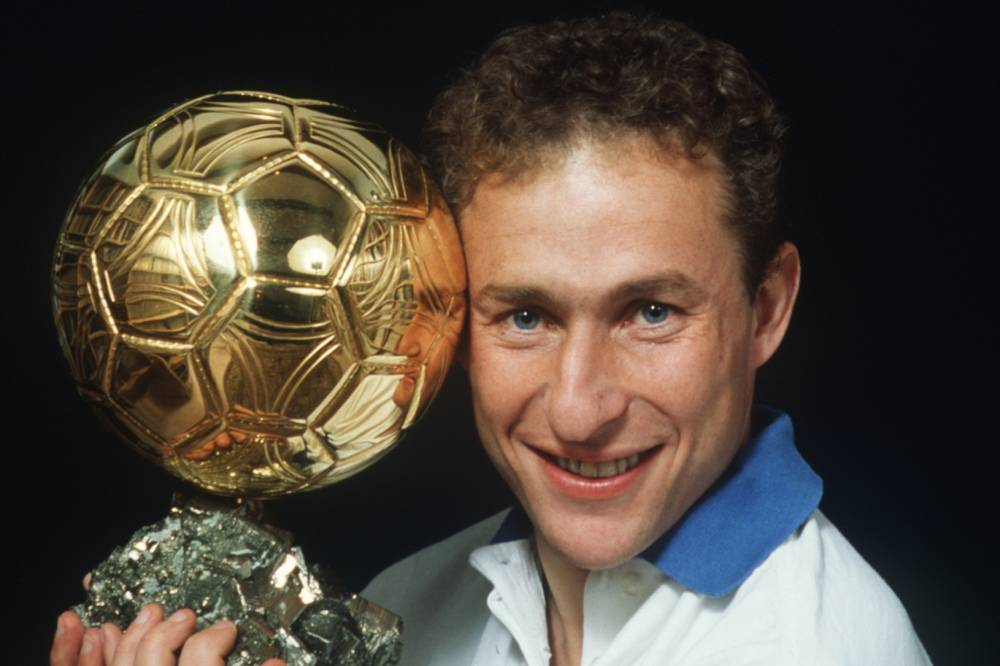 جان بيير بابان يحمل الكرة الذهبية