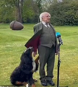 الرئيس مع الكلب