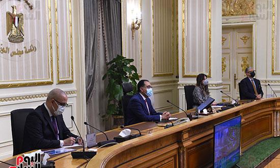 رئيس الوزراء يستعرض التصورات المقترحة لتطوير منطقة الفسطاط (1)