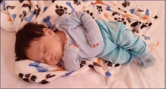 رضيع برازيلى ينجو من كورونا بعد إصابته في عمر 8 أيام (1)