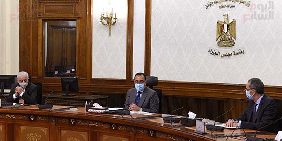 رئيس الوزراء يتابع إجراءات عقد امتحانات الثانوية العامة   (4)
