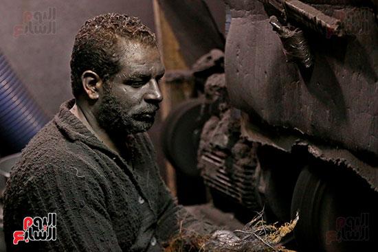 أحد العمال (2)