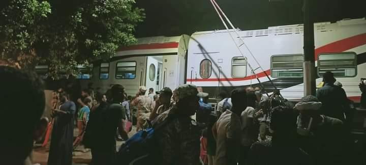 خروج قطار قادم من القاهرة لأسوان عن القضبان  (6)