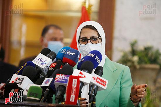 مؤتمر وزيرة الصحة هالة زايد (14)