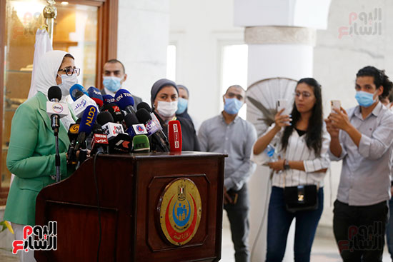 مؤتمر وزيرة الصحة هالة زايد (9)