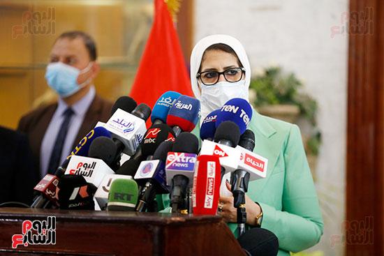 مؤتمر وزيرة الصحة هالة زايد (15)