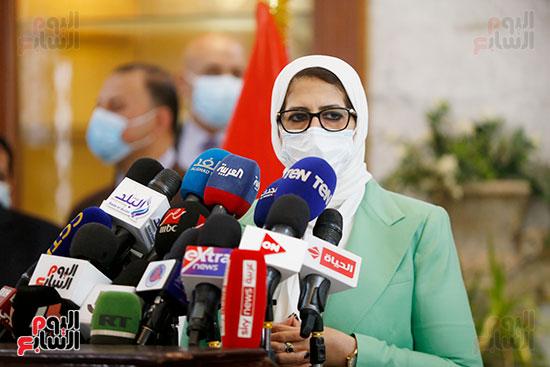 مؤتمر وزيرة الصحة هالة زايد (13)
