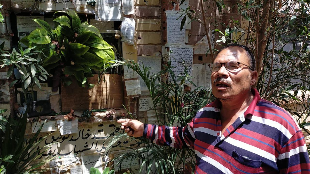رسائل العشاق والمحبين على قبر أحمد خالد توفيق (7)