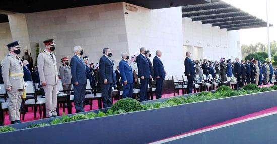 وزير الدفاع يعود لأرض الوطن عقب حضوره مراسم الاحتفال بالمئوية الأولى لتأسيس الأردن (2)